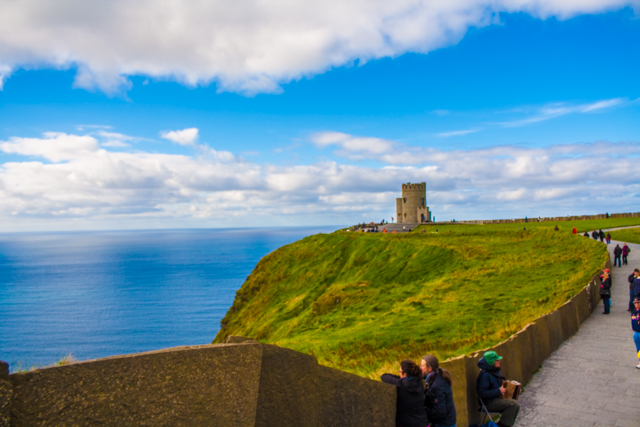Cliffs_of_Moher_Paddywagon_Tour_Ireland_Iphone-46