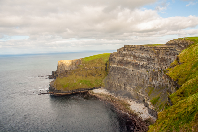 Cliffs_of_Moher_Paddywagon_Tour_Ireland_Iphone-51