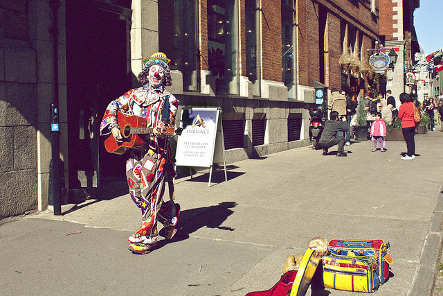 Watching street performers is one of the more interesting things to do in montreal